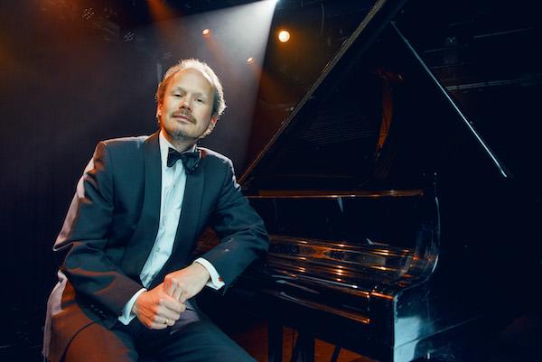 30 is the max! met Zondagochtend concert door pianist Lodewijk Crommelin